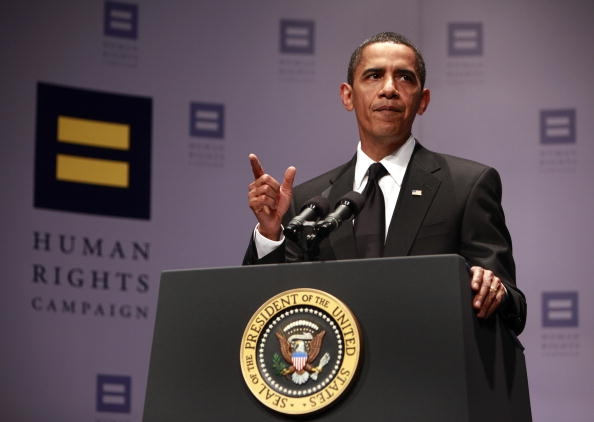 president-obama-addresses-the-annual-human-rights-campaign-national-dinner-in-2009