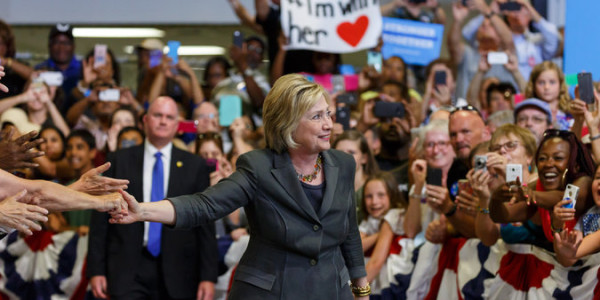 Hillary Clinton's Message: Yes, the Economy Is Messed Up. But I Can Fix It.