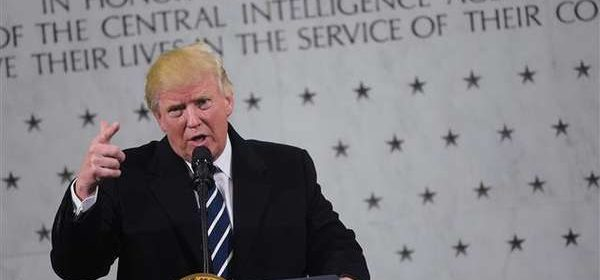1701212253-Trump-Seeks-to-Smooth-Tensions-With-CIA-Visit